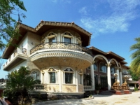 Pattaya House for Sale: Happiness Castle by Lake