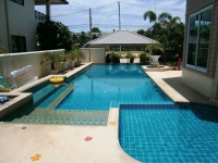 Private House, Pool View