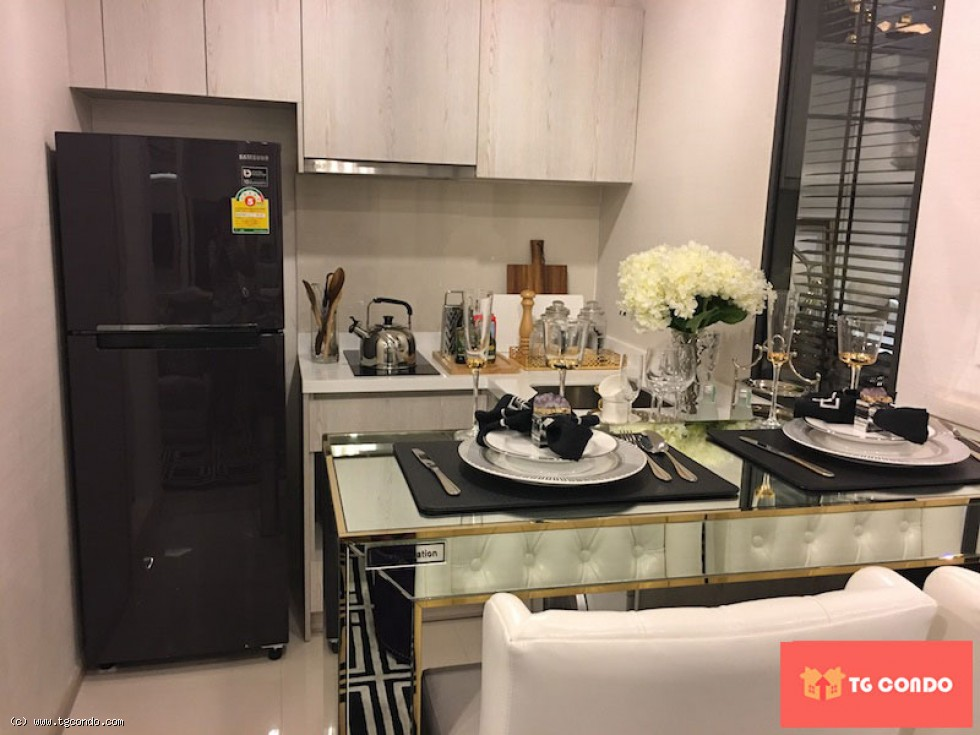 Life Asoke Rama 9 For Sale
