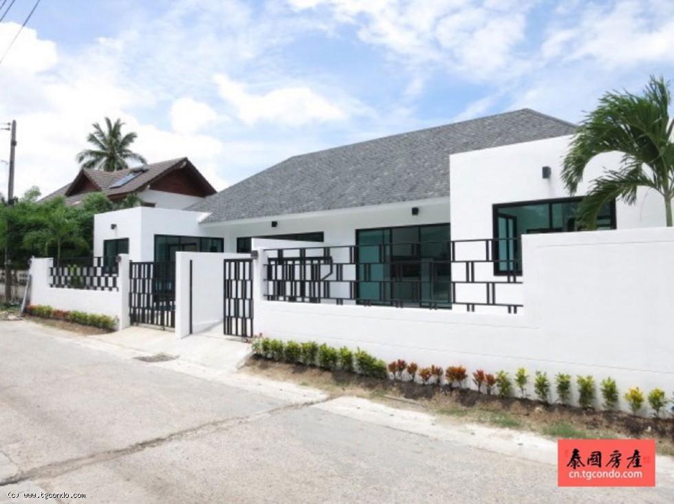 Phuket villa in Nai Harn