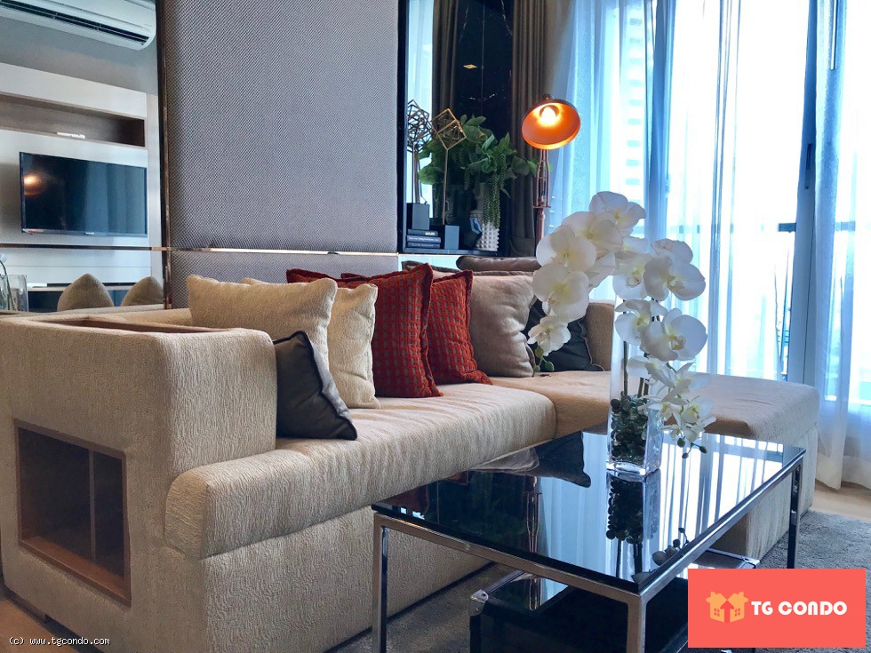 Rhythm Sathorn Condo For Rent, 26th floor,River View